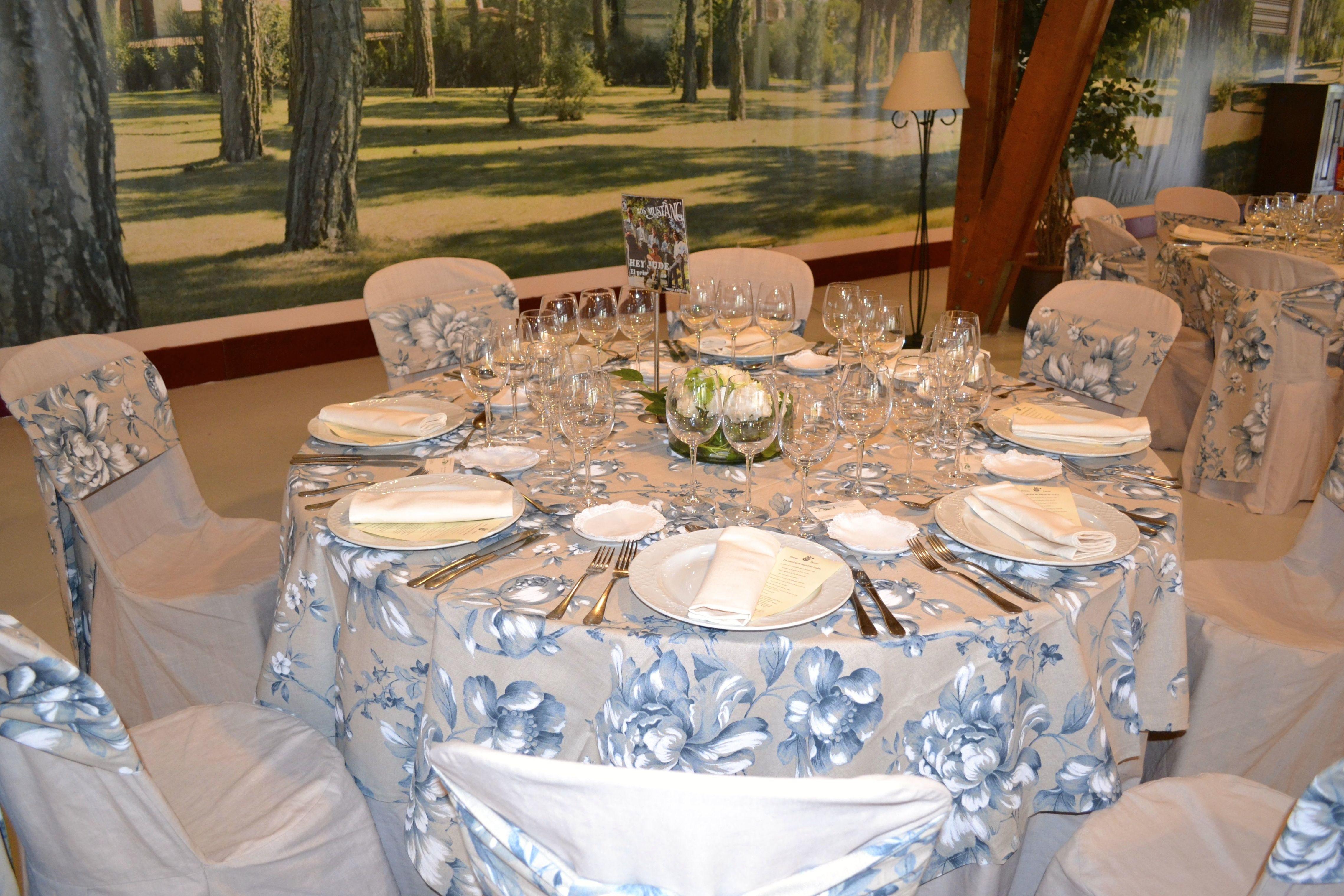 Manteles boda imagenes - Imagenes de mesas con manteles ...