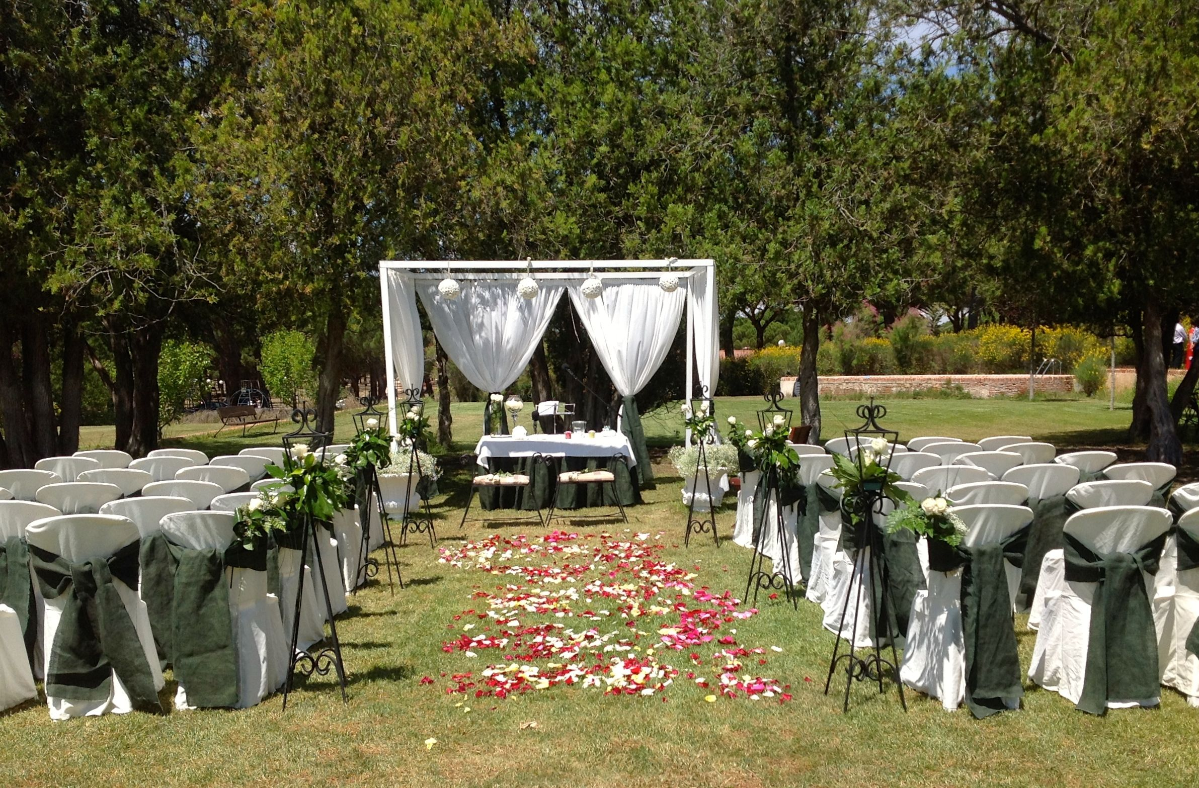 Decoracion boda civil en jardin cheap decoracion boda - Decoracion jardin boda civil ...
