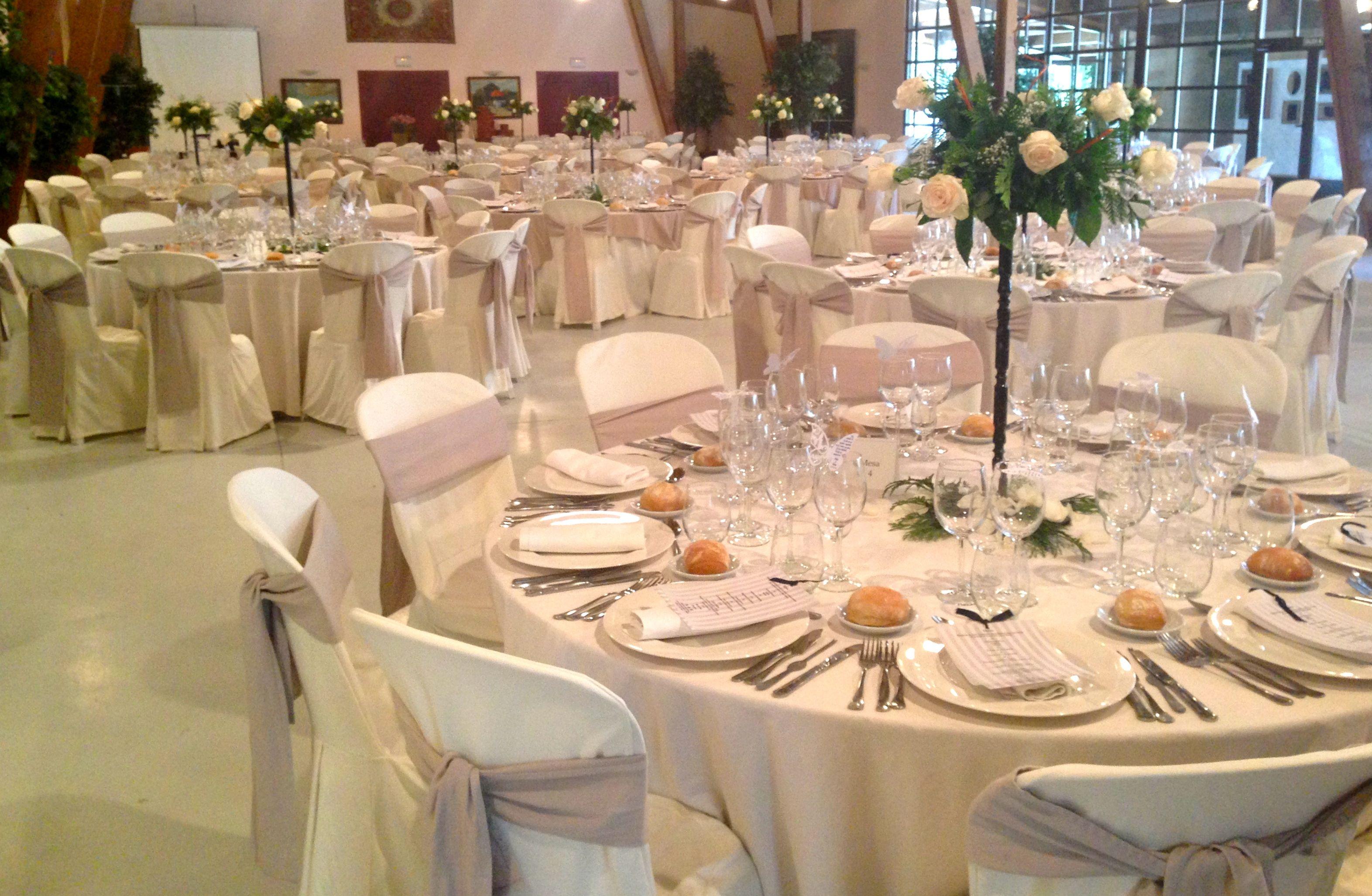 Manteles para bodas manteles para bodas encaje manteles for Manteles mesas grandes